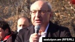 """""""Vətənin xilası"""" hərəkatından baş nazirliyə namizəd Vazgen Manukyan"""