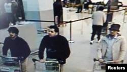 22 март Брюссель һава аланында террор һөҗүме оештыруда шикләнелгән кешеләрне иминлек камералары төшергән