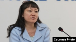 "Kazakhstan ""Golos respubliki"" correspondent Larisa Chen at a press conference. Almaty on April 21 (courtesy ""Golos respubliki"")."