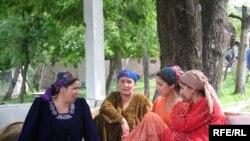 Tajikistan -- Tajik women in Gharm region of Rasht valley, 24June2008