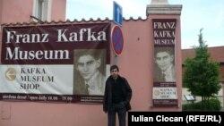 Julian Ciocan la muzeul lui Kafka din Praga