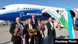 Самолет Boeing-787 Dreamliner в Ташкенте.
