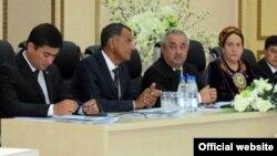 Aşgabatda Türkmenistanyň senagatçylar we telekeçiler partiýasynyň gurultaýy geçirildi. 21-nji awgust, 2012 ý.