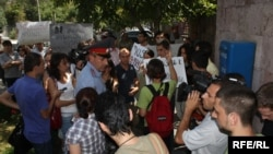 Armenia -- Protest action in support of environmental youth activist Mariam Sukhudian, 19Aug2009