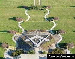 Сад в Национальном масонском мемориале в США