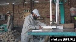 ارشیف، یو تن افغان نجار