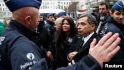 Анрі Малосс (3-й п) разом із Русланою ходив 21 січня 2014 року протестувати на підтримку євроінтеграції України під будівлю Європарламенту у Брюсселі, але поліція не пропустила їх