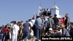 Vjernici pohode crkvu na Rumiji