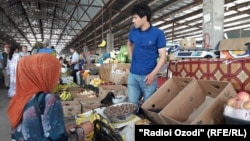 """""""Ходжи Шариф"""" является самым крупным рынком на юге Таджикистана"""