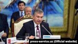Президент Узбекистана Шавкат Мирзияев на саммите в Бишкеке.