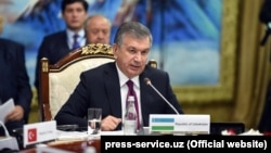 Шавкат Мирзиёев Чолпон-Атадагы саммитте.