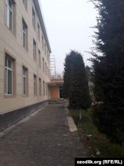 Здание администрации Хаджаабадского района Андижанской области.