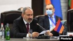 Премьер-министр Армении Никол Пашинян на саммите ЕАЭС (архив)