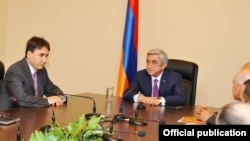Armenia - President Serzh Sarkisian announces the appointment of Armen Gevorgian (L) as secretary of the National Security Council, Yerevan, 6Jun2016.