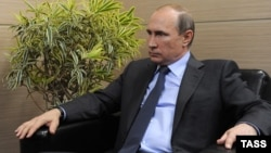Russian President Vladimir Putin garnered a majority favorable rating only in Vietnam (70 percent) and China (54 percent).