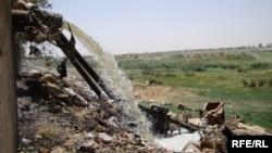 مياه ثقيلة تتدفق نحو نهر دجلة في محافظة واسط