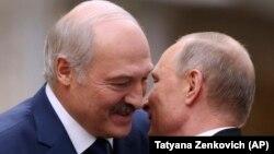 Президенти Білорусі Олександр Лукашенко і Росії Володимир Путін 30 листопада 2017 року в Мінську