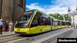 Трамвай «Электрон» у цэнтры Львова, архіўнае фота