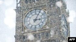 Orologiul din turnul clădirii Parlamentului britanic