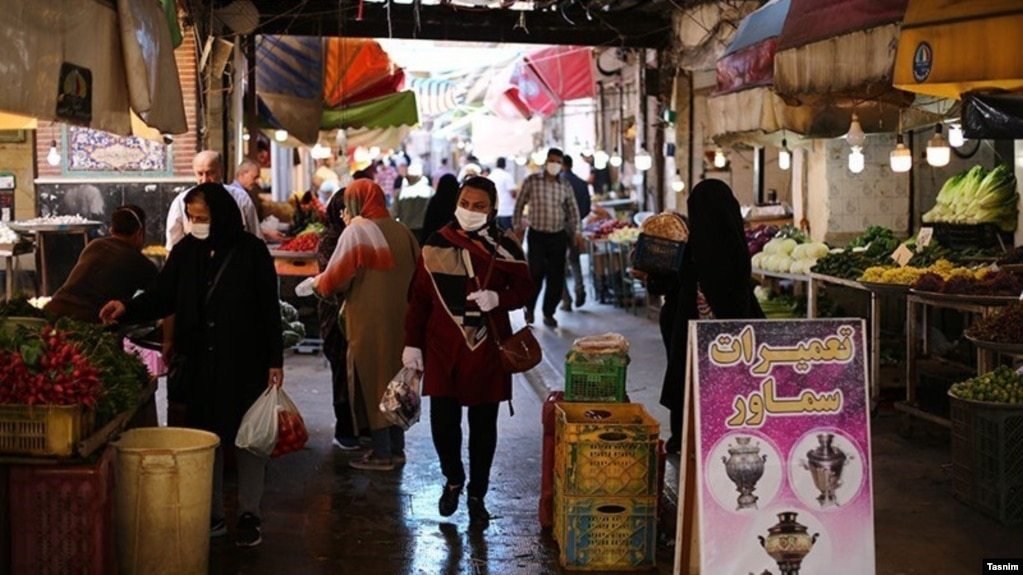 استفاده از ماسک در ایران از روز دوشنبه اجباری شد.