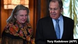 Глава Министерства иностранных дел Карин Кнайсль на встрече с главой Министерства иностранных России Сергеем Лавровым в Москве, 12 марта 2019 год