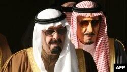 Король Саудовской Аравии Абдулла бин Абдул Азиз (слева) и принц Салман бен Абдель Азиз аль-Сауд.