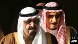 ملک سلمان (راست) در کنار ملک عبدالله