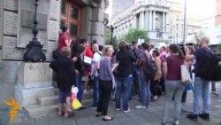 Vuçiq fton në takime qytetarët