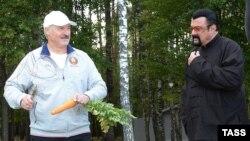 Аляксандар Лукашэнка прымаў Стывэна Сыгала ў сваёй рэзыдэнцыі пад Менскам 24 жніўня 2016 году.