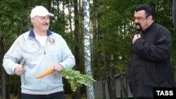 Alayksandr Lukashenka və Steven Seagal