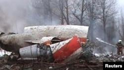 Обломки самолета Tу-154, разбившегося под Смоленском 10 апреля 2010 года.