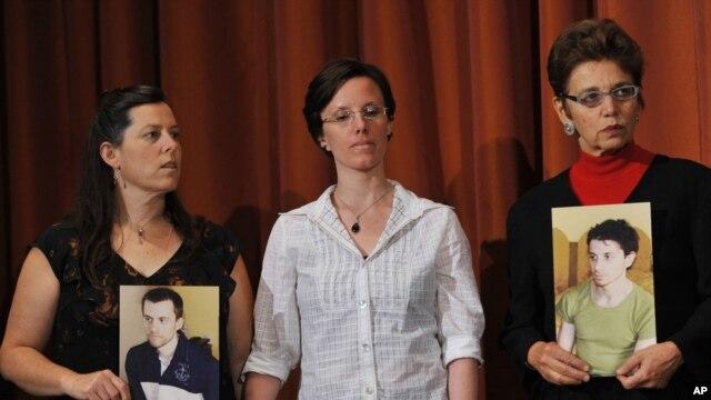 سارا شورد در میان مادران جاش فتال و شین باوئر