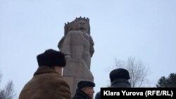 Памятник Ленину на Стефановской площади Сыктывкара