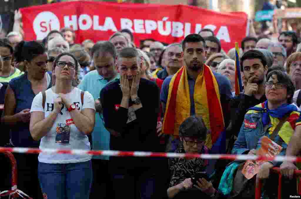 10 жовтня лідер Каталонії Карлес Пучдемон оголосив, що регіон отримав право на незалежність за підсумками референдуму, але відклав офіційне проголошення її