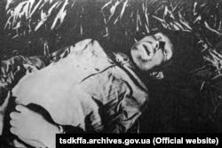 Жертва голоду. Репродукція. Місце і дата зйомки: УССР, 1932-1933 рр.