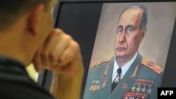 Наққоше Путинро дар симои Леонид Брежнев кашидааст.
