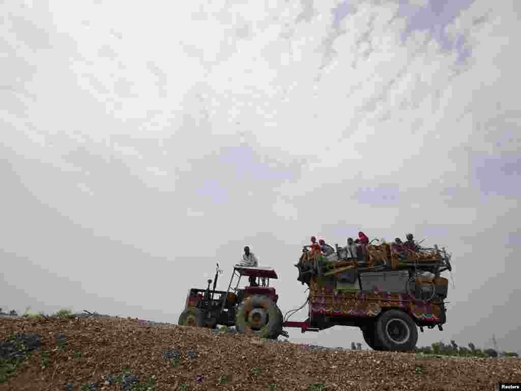 Pakistan - Oko 13,8 milijuna ljudi pogođeno je poplavama u ovoj zemlji, 09.08.2010. - Foto: Akhtar Soomro / Reuters