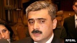 Самир Шарифов