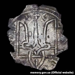 Стародавня монета доби князя Володимира Святославича