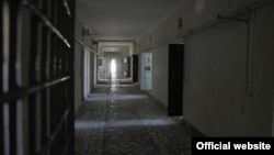 د ترکمنستان د یوه زندان انځور