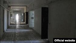 В коридоре следственного изолятора. Иллюстративное фото.