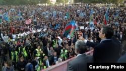 Әзербайжанның біріккен оппозициялық күштері өткізген наразылық жиыны. Баку, 12 қазан 2013 жыл.