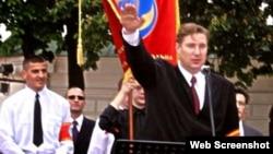 Эдуард Коваленко во время акции в поддержку Виктора Ющенко, Киев, 26 июня 2004 года
