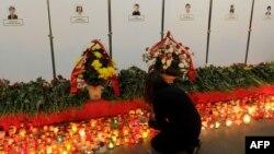 Вшанування пам'яті про загиблих через день після теракту, 12 квітня 2011 року