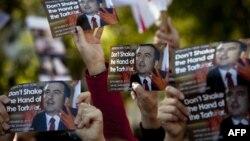 Главное опасение «националов» заключается в том, что прокуратура попытается использовать опыт специалистов для задержания экс-президента Михаила Саакашвили