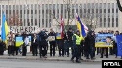 Акція на підтримку Надії Савченко у Ризі, 9 березня 2016 року