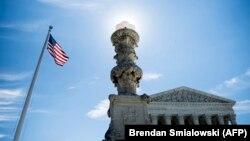 Здание Верховного суда США.
