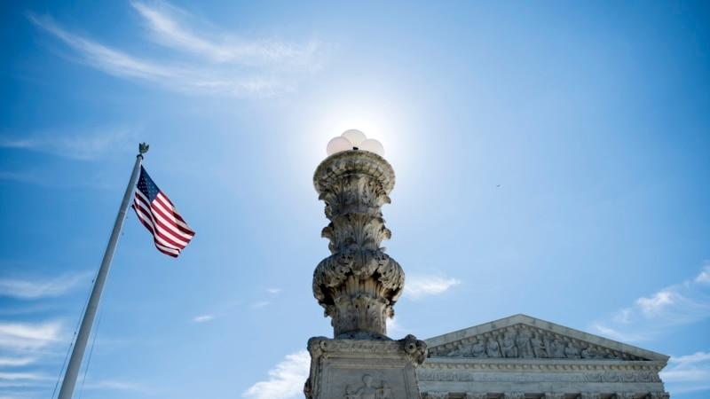 Врховниот суд одобри дел од  забраните на Трамп  за влез на граѓаните од муслимански земји