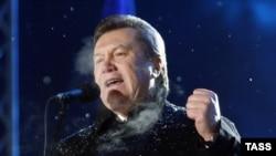 Януковичтин шайлоодон кийинки милдети Тимошенко премьер- министрдин кызматын бошотуусуна жетишүү.