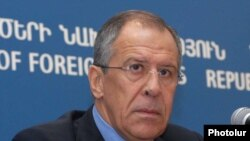 Armenia -- Russian Foreign Minister Sergei Lavrov at a news conference in Yerevan, 14Jan2010